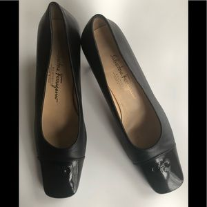 Salvatore Ferragamo ladies pumps